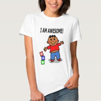 EU SOU IMPRESSIONANTE! Menino bonito dos desenhos Camisetas