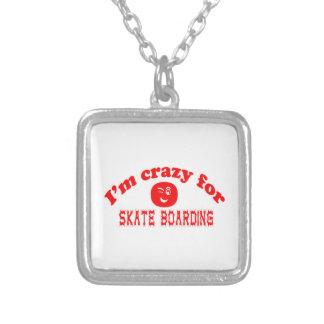 Eu sou louco para o embarque do skate colar com pendente quadrado
