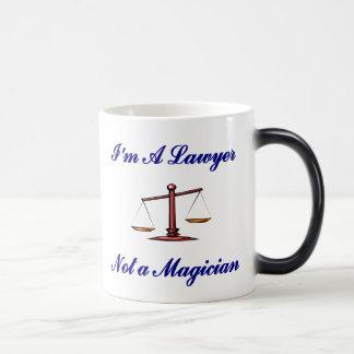 Eu sou um advogado não uma caneca do mágico