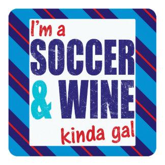 Eu sou um futebol & um tipo do vinho do galão convite quadrado 13.35 x 13.35cm