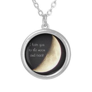 Eu te amo à lua e à colar traseira