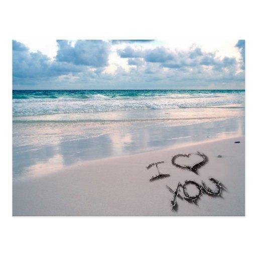 Eu te amo, areia escrevendo na praia cartao postal