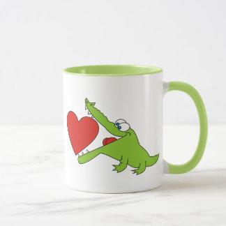 Eu te amo, crocodilo bonito com uma caneca do