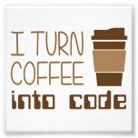 Eu transformo o café no código de programação