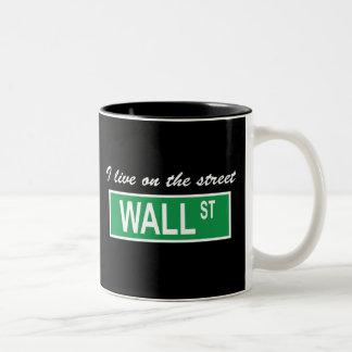 """""""Eu vivo caneca no Wall Street da rua"""""""