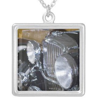 EUA, Indiana, castanho-aloirado: Castanho-aloirado Colares Personalizados