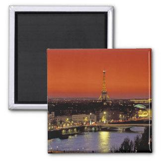 Europa, France, Paris. Opinião do por do sol Eiffe Ímã Quadrado