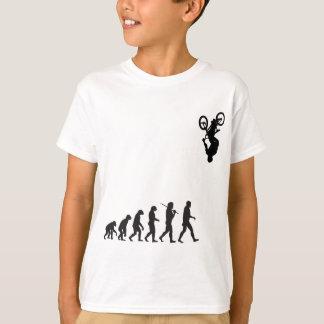 Evolução - sacudir da bicicleta de BMX T-shirts