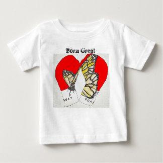 Excelente nascido com as luvas de encaixotamento t-shirts