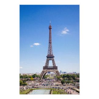 Excursão Eiffel do La de Paris na fotografia clara