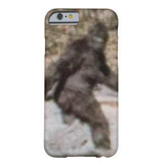 Exemplo engraçado de Bigfoot Sasquatch Capa Barely There Para iPhone 6