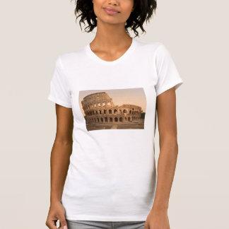 Exterior do Colosseum, Roma, Italia Tshirts