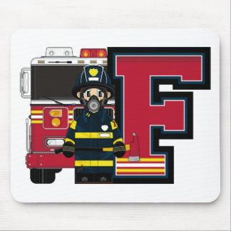 F é para o bombeiro dos desenhos animados mouse pad
