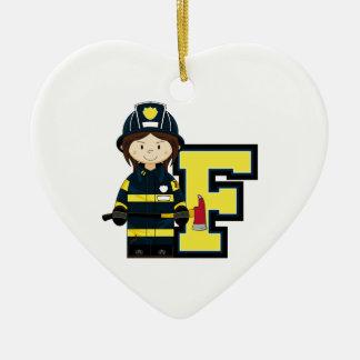 F é para o bombeiro dos desenhos animados ornamento de cerâmica coração