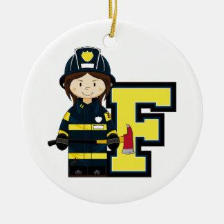 F é para o bombeiro dos desenhos animados ornamento de cerâmica redondo