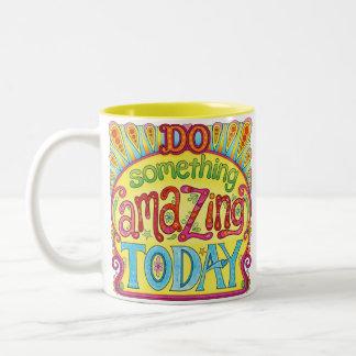 Faça algo que surpreende hoje a caneca - caneca