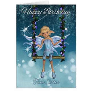 Fada bonito gêmea do feliz aniversario da irmã no cartão comemorativo