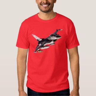 Falcão F-16 de combate T-shirts