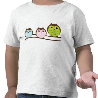 Família da coruja dos desenhos animados em seguido tshirts