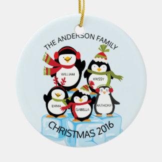 Família personalizada BONITO de um Natal de 5 Ornamento De Cerâmica