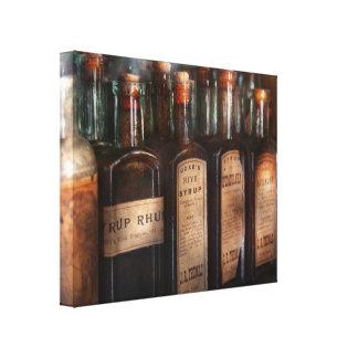 Farmácia - seleção do xarope impressão em canvas