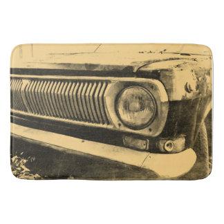 Faróis clássicos velhos do carro do vintage tapete de banheiro