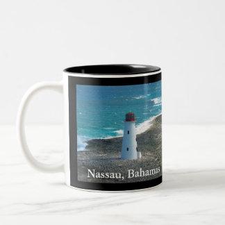 Farol em Nassau nos Bahamas na caneca de café