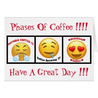 Fases de café que bebem o cartão 5x7 de Emoji