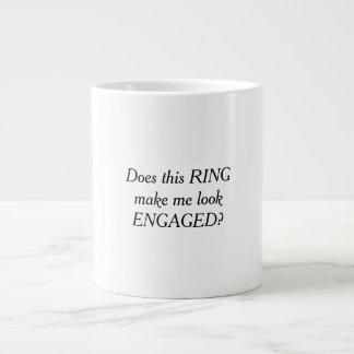 Faz este anel fazem-me olhar a caneca de café