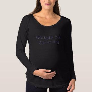 Fé - a camisa das mulheres de maternidade da luva