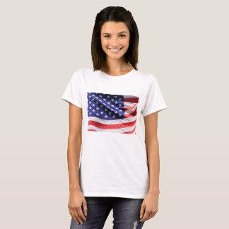 Feche acima da bandeira americana camiseta