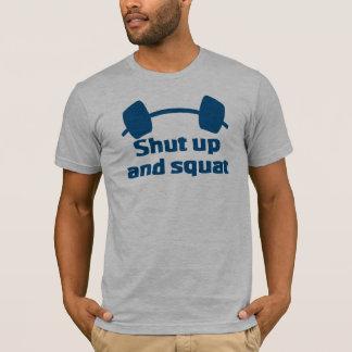 Feche acima e ocupa camiseta