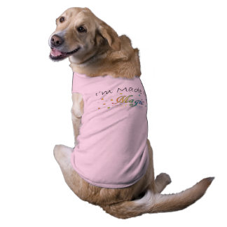 Feito da camiseta de cão mágica