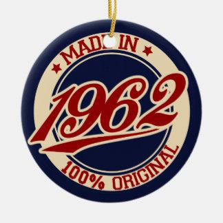 Feito em 1962 ornamento de cerâmica redondo