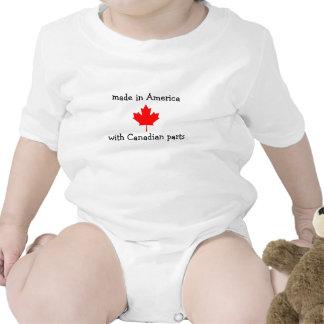 feito em América com peças canadenses Babador