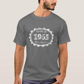 Feito envelhecido em 1965 à camisa do aniversário