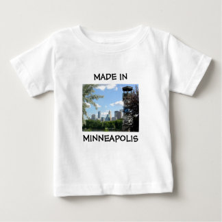 Feito na camisa do bebê de Minneapolis