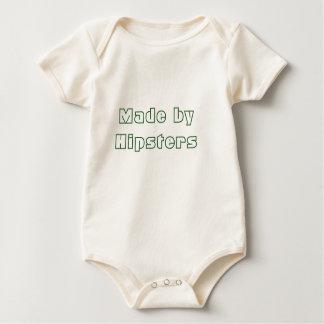 Feito por de uma peça só orgânico dos hipsteres body para bebê