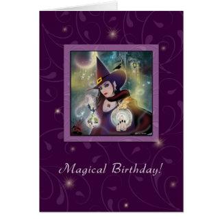 Feliz aniversario - mágica do roxo da bruxa cartão comemorativo
