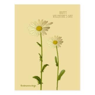 Feliz dia dos namorados - flor da margarida cartão postal
