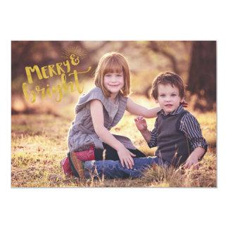 Feliz EDITÁVEL e cartão de Natal brilhante da foto