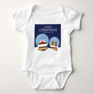 Feliz Natal e globo da neve do feliz ano novo Body Para Bebê
