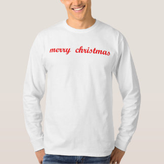 Feliz Natal escrito na camisa de t