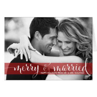 Feliz vermelha & cartão com fotos casado do feriad
