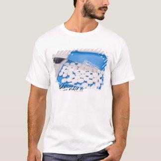 Ferramentas da farmácia, comprimidos, camiseta