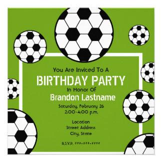 Festa de aniversário - campo de futebol bolas de convite