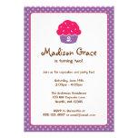 Festa de aniversário cor-de-rosa e roxa das bolinh convite personalizados
