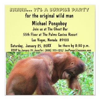 Festa de aniversário da surpresa do homem selvagem