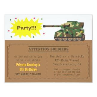 Festa de aniversário do menino do tanque do convite 10.79 x 13.97cm
