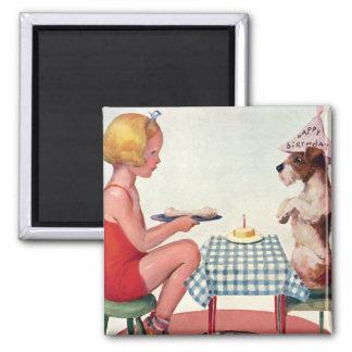 Festa de aniversário do vintage, menina com o cão ímã quadrado